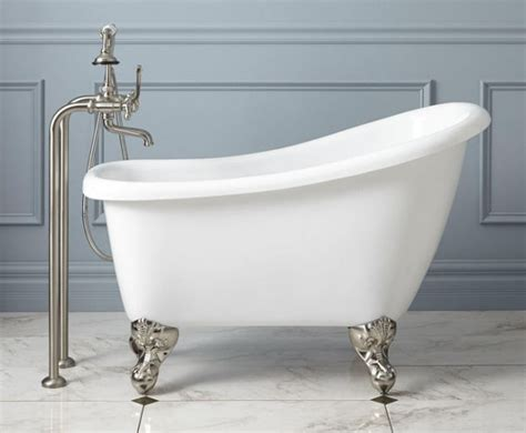 beautiful bathtubs 10 beautiful mini bathtubs for small bath spaces