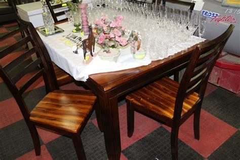 two tone kitchen table 2 tone kitchen table w 6 chairs kastner auctions