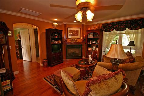 Traditional Home Decoration by Small Traditional Living Room Decorating Ideas