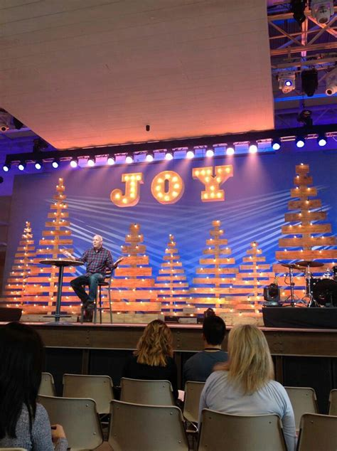 best xmas stage decoration 33 best images about school stage ideas on paper chandelier graduation and backdrops