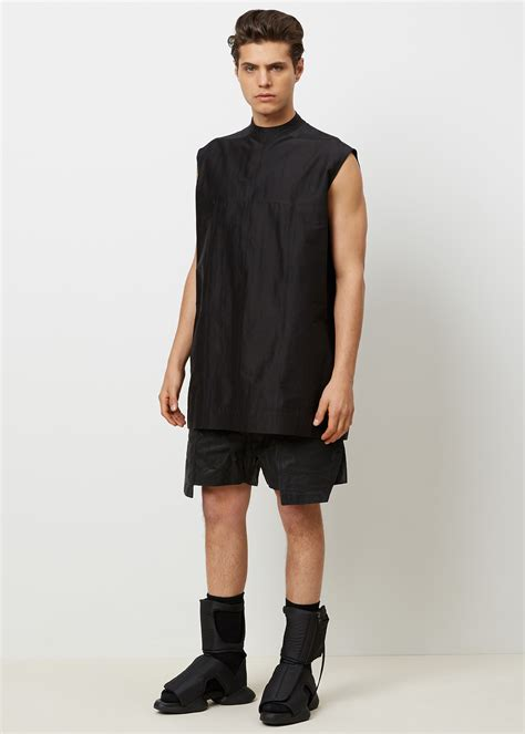 Rik Black lyst rick owens crepe cargo shorts in black for