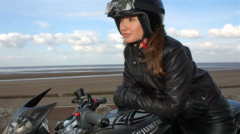 female motorcycle riding 10 reasons why you should date a woman who rides rideapart