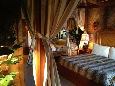 themed hotel rooms nj feather nest inn is a themed hotel in the middle of