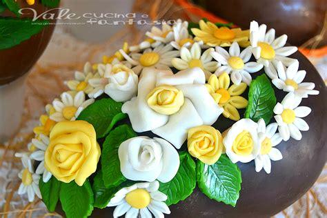 fiori in pasta di zucchero senza stini uova di pasqua decorate con fiori in pasta di zucchero