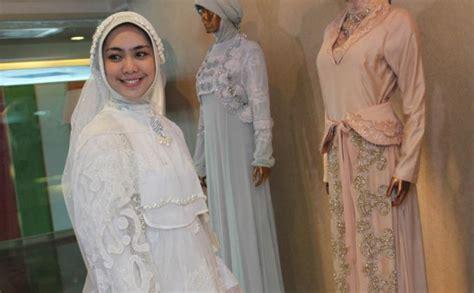 Busana Muslim Oki Setiana Dewi Baju Pengantin Internasional 2013 Hairstyle Gallery