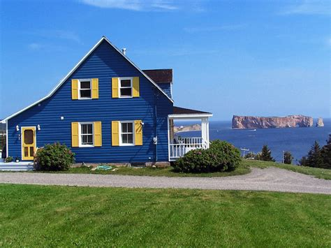 House Photos | blue house a photo from quebec central trekearth