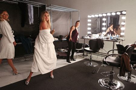 Banning Models On Worlds Largest Fashion Show 2 by Elsiehosk Victoriassecret Work That Robe Elsa Haha She S