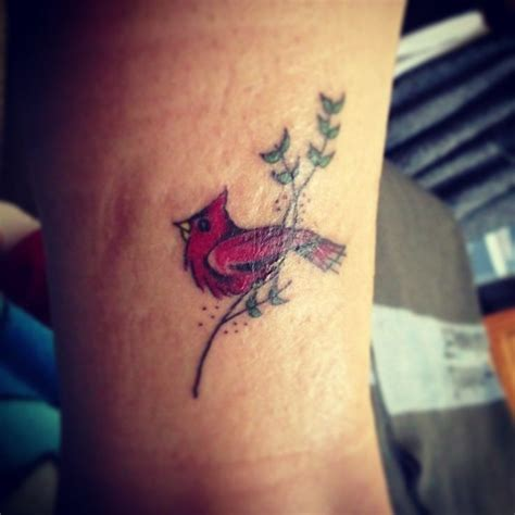 cardinal feather tattoo 1000 ideas about cardinal tattoos on tattoos