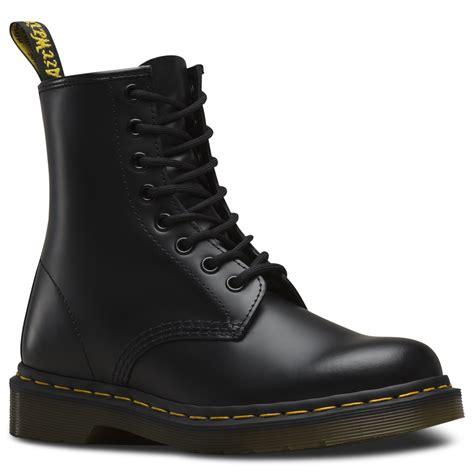Dr Martens dr martens 1460 black 8 eye boot