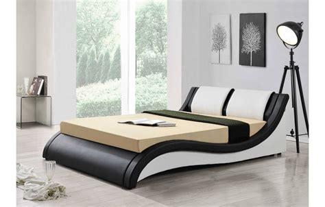 lit 160 blanc lit design italien 160 cm en simili cuir noir et blanc