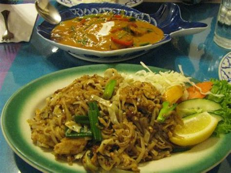 thai house fairbanks thai house pad thai and halibut in red curry sauce picture of thai house