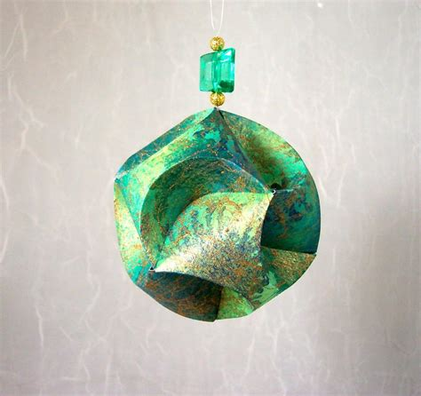 you have to see paper christmas ornament on craftsy