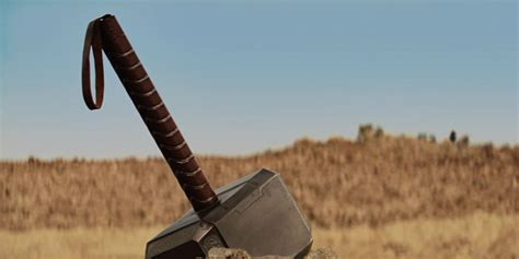 thor hammer le 15 non marvel characters that could lift thor s hammer