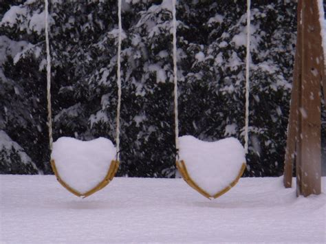 winter wonderland swing snow hearts doğadaki kalpler pinterest swings snow
