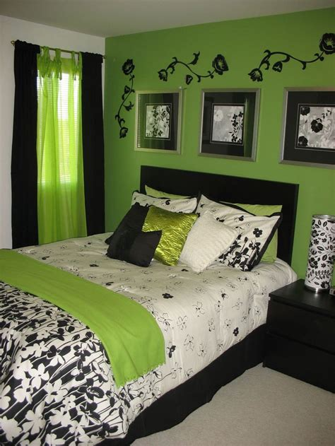 bedroom decorating ideas light green walls best 25 green bedrooms ideas on pinterest green bedroom