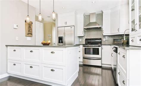 armoires de cuisine blanches recherche d 233 co