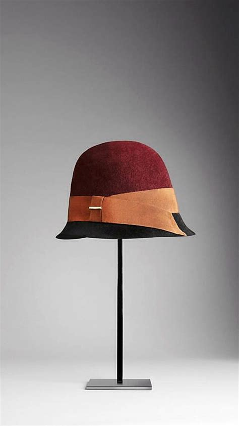 Contrast Stitching Cloche Hat burberry contrast brim cloche hat hats