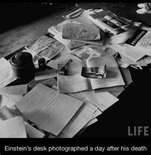 einstein scrivania einstein segreto era scarso in matematica imparo a