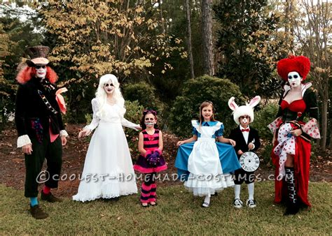 awesome family of six in costume