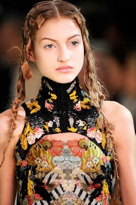 woven hair at the 2011 paris spring alexander mcqueen show singapore fashion blog shopping female clothings style