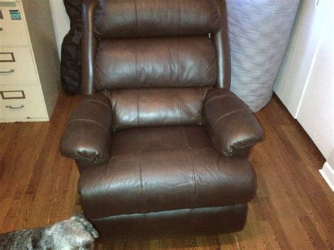 brand new leather lazy boy recliner with swivel bottom