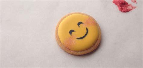cookie emoji this is how to make funny emoji cookies