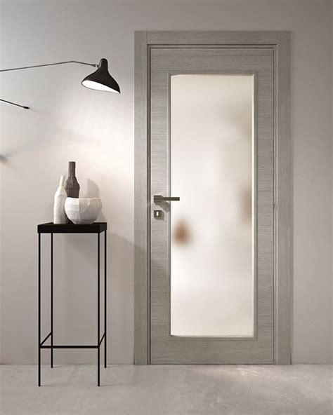 porta a battente porta a battente in legno e vetro avio porta in legno e