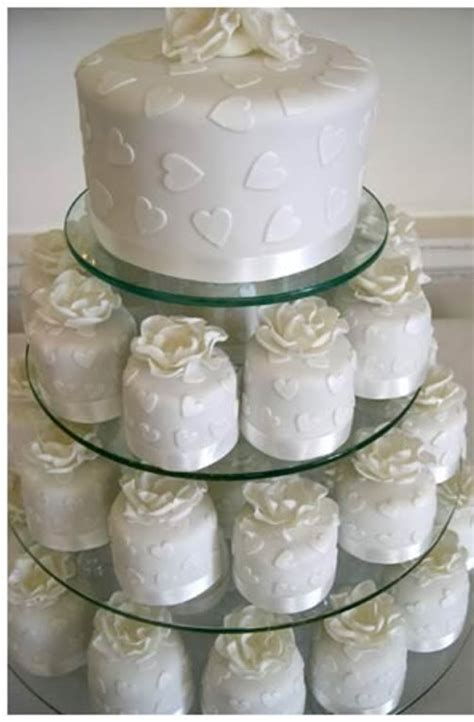 Mini Wedding Cakes by Mini Wedding Cakes