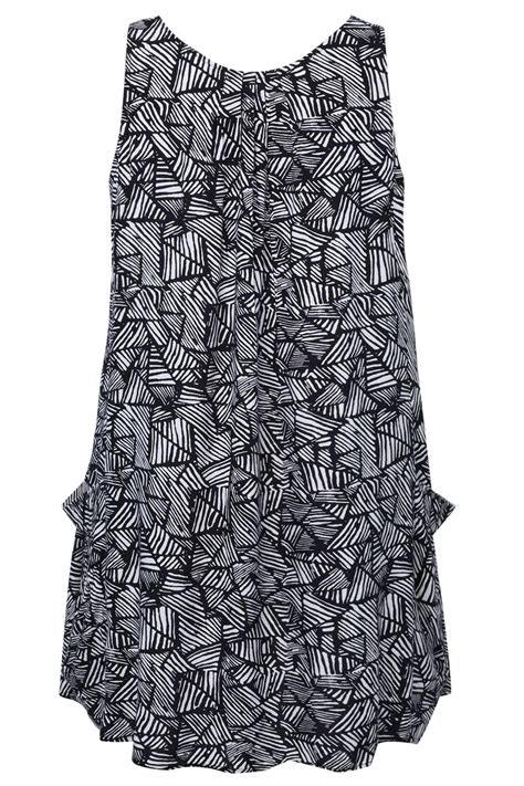 Print Sleeveless Tunic black and white aztec print sleeveless tunic with pockets