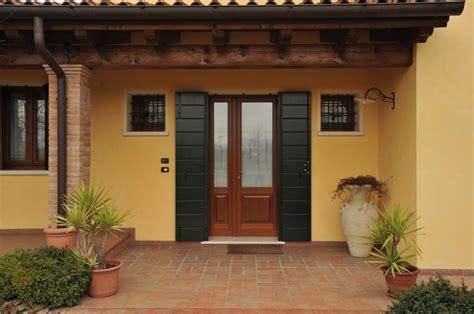 portoncini ingresso in legno prezzi portoncino d ingresso in legno modello 1