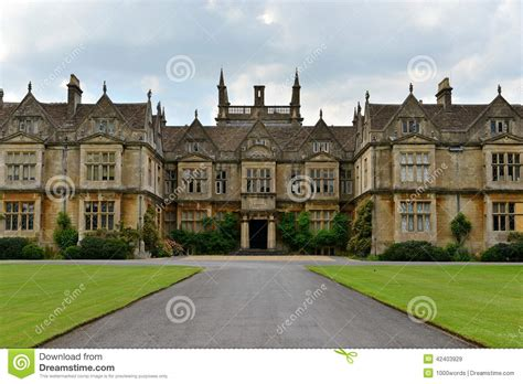 universität münchen englischer garten alte englische villa stockfoto bild 42403929