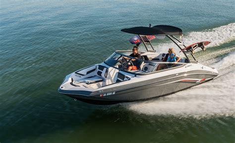 yamaha boats reviews yamaha sr230 runabout boats