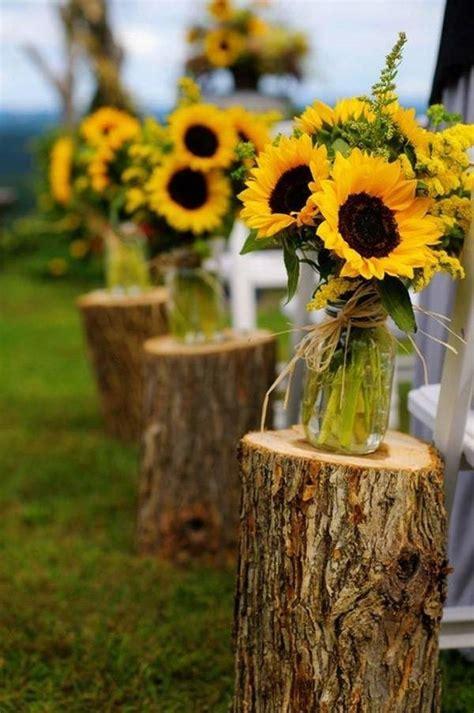 Sunflower Arrangements For Weddings by 12 Sunflower Ideas For A Rustic Wedding Mywedding