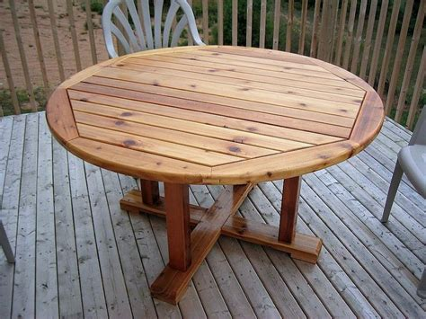 Cedar Patio Table By Jeff Lumberjocks Com Cedar Patio Table