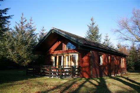 Luxury Log Cabins Scotland Breaks by Luxurious Log Cabins In Scotland With Tub And