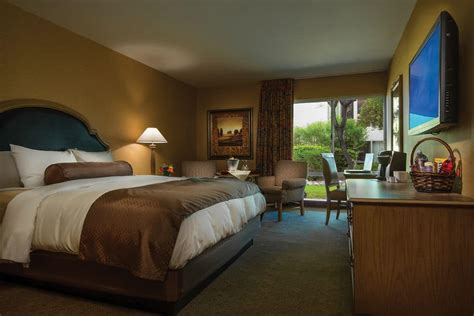Golden Nugget Hotel Rooms golden nugget cheap hotel rooms at discounted price at cheaprooms 174
