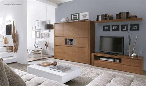 combinar muebles en color cerezo  blanco mostaza