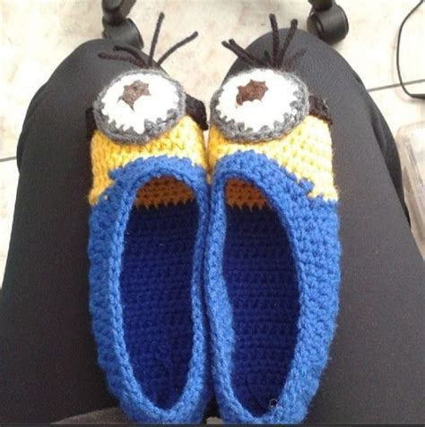 knitted minion slippers minion crochet pattern top pins cutest ideas