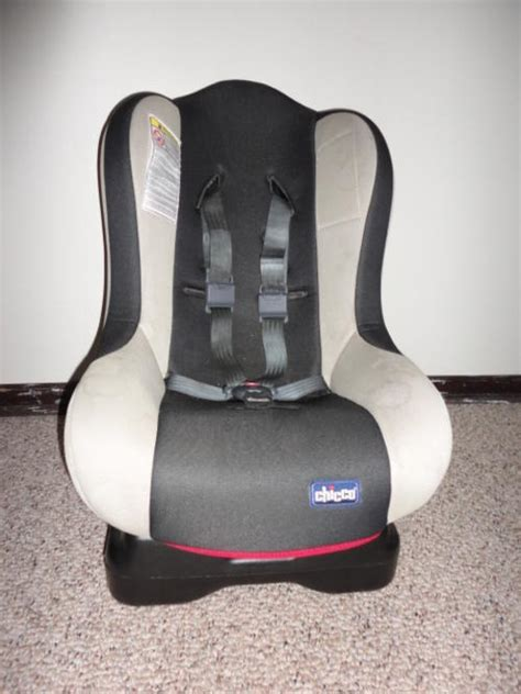chicco reclining car seat car seats chicco universal car seat was sold for r410 00