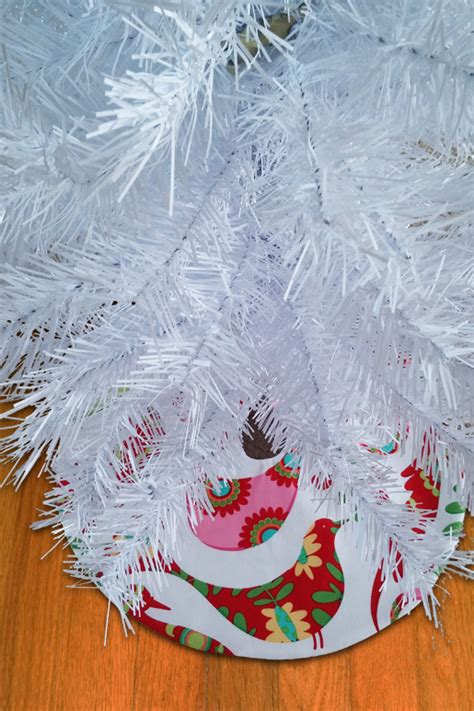 diy mini holiday tree skirt weallsew bernina usa s