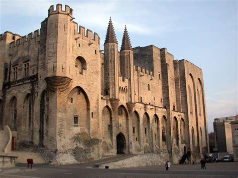 avignone sede papale ma anche ad avignone cristo 232 romano il palazzo di