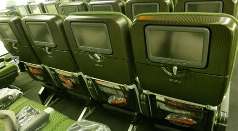 qantas economy seat pitch trip report qantas 747 400 business class san francisco