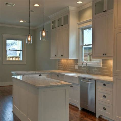 kitchen cabinet uppers best 25 upper cabinets ideas on pinterest update kitchen cabinets painting cabinets and grey