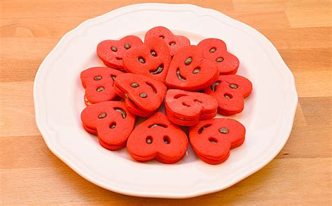pasta kalp pasta alayan pasta kakaolu pasta ya pasta szleri ya kırmızı kalp kurabiye tarifi