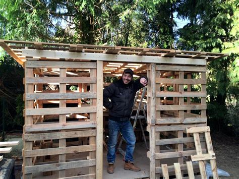 How To Make A Out Of Pallets by Amazing Constructions With Pallets 101 Pallet Ideas