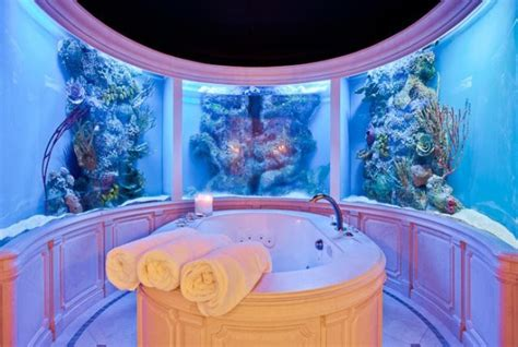 aquarium bathtub aquarium bathroom jennifer connelly s house hunt trays