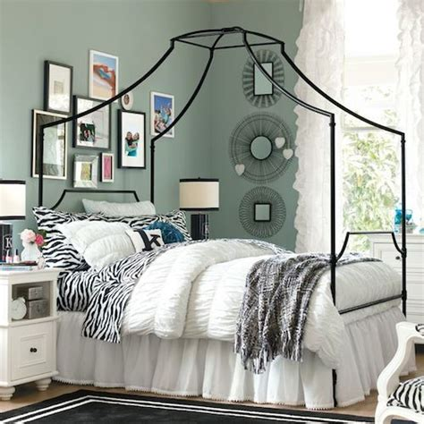 teen beds copy cat chic pottery barn teen maison canopy bed