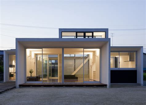 Minimalist House Design That Consist Of Small Rectangular Blocks Digsdigs