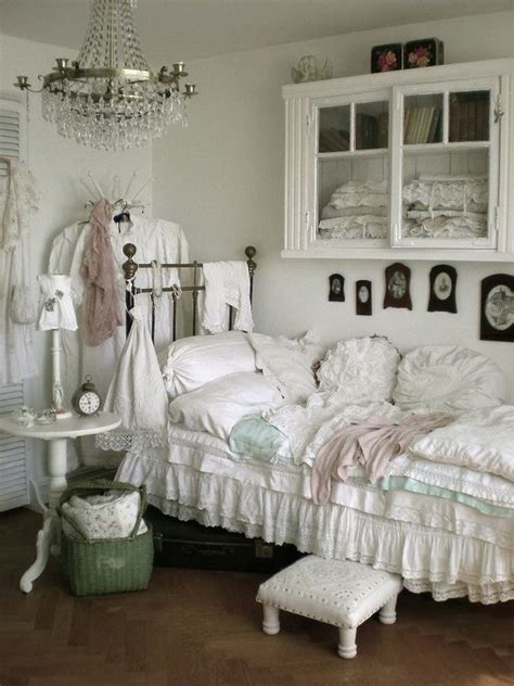 Small Shabby Chic Bedroom by 30 Cool Shabby Chic Bedroom Decorating Ideas For