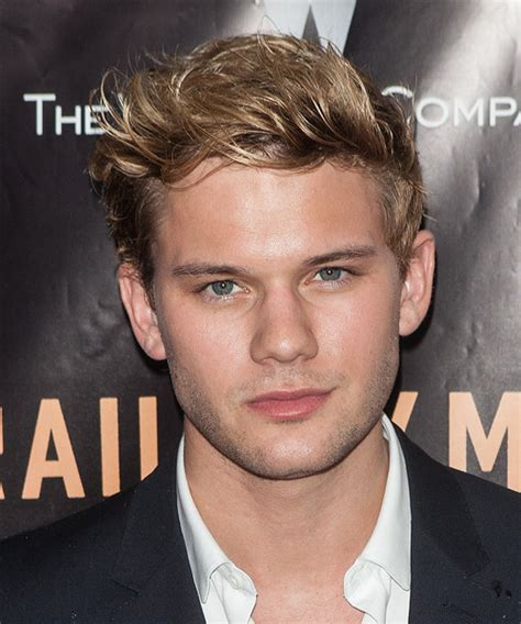 Jeremy Irvine Short Straight Casual Hairstyle   Dark